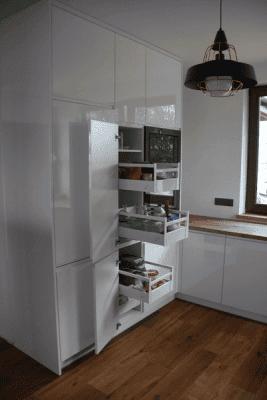 szuflady w meblach kuchennych